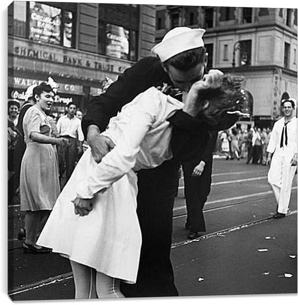 Постер на подрамнике - VJ Day, The Kiss - Безоговорочная капитуляция, Поцелуй на Таймс Сквер