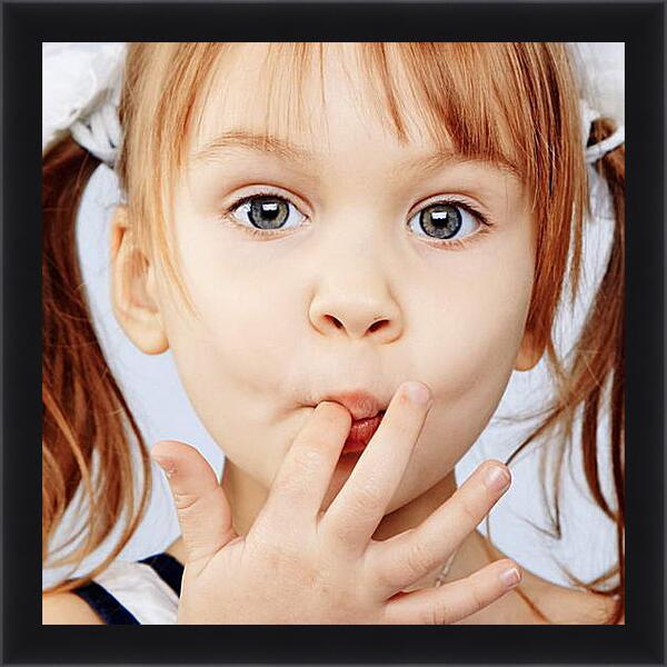 Картина в раме - Рыжеволосая девочка