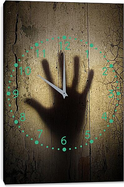 Часы картина - Облокотилась