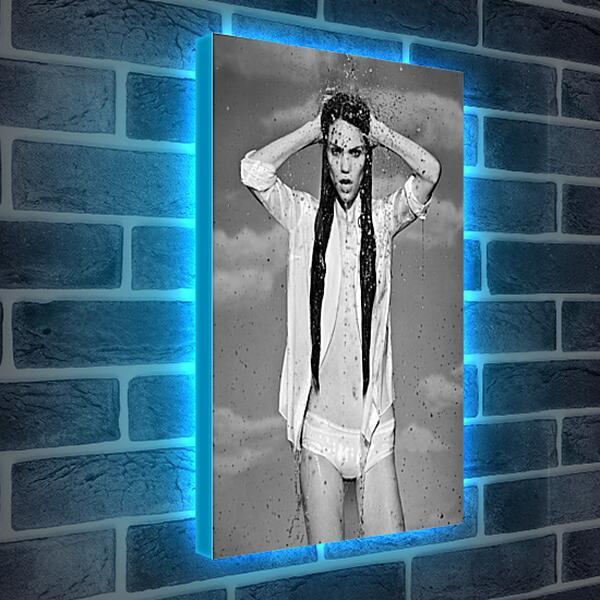 Лайтбокс световая панель - Девушка в брызгах воды