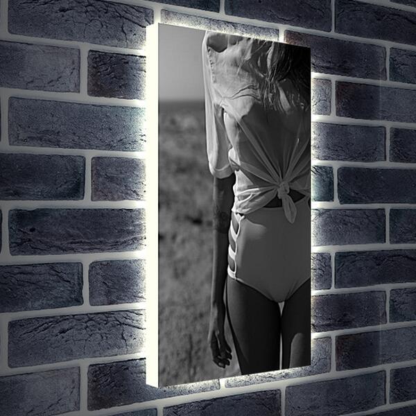 Лайтбокс световая панель - Девушка в белой рубашке