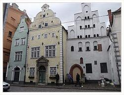Картина в раме - Three brothers in Old Riga. - Три брата в Старой Риге.