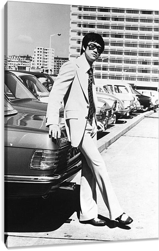 Брюс Ли (Bruce Lee)Личности<br>Модульная картина из 4 частей . Любые размеры и конфигурации на выбор. Материал печати: натуральный холст.<br>Размер: 62x90 см., 83x120 см., 104x150 см.;