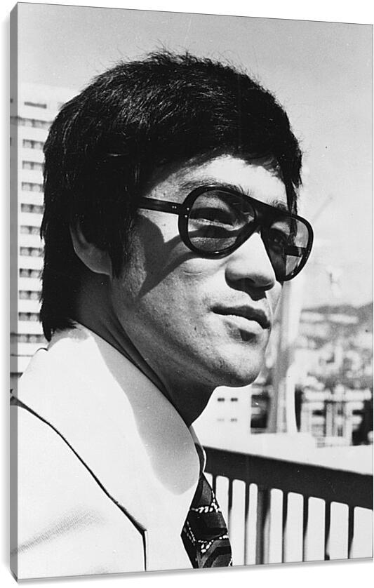 Брюс Ли (Bruce Lee)Личности<br>Модульная картина из 3 частей . Любые размеры и конфигурации на выбор. Материал печати: натуральный холст.<br>Размер: 62x90 см., 83x120 см., 104x150 см.;
