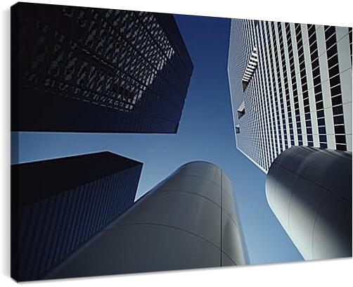 НебоскребыАрхитектура<br>Модульная картина из 3 частей . Любые размеры и конфигурации на выбор. Материал печати: натуральный холст.<br>Размер: 90x59 см., 120x79 см., 150x99 см.;