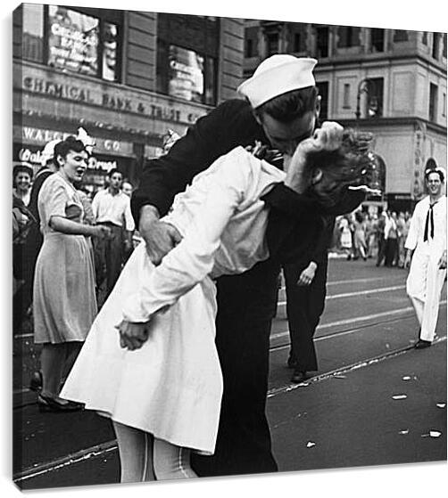 VJ Day, The Kiss - Безоговорочная капитуляция, Поцелуй на Таймс СкверРетро<br>Модульная картина из 5 частей . Любые размеры и конфигурации на выбор. Материал печати: натуральный холст.<br>Размер: 90x87 см., 120x117 см., 150x146 см.;