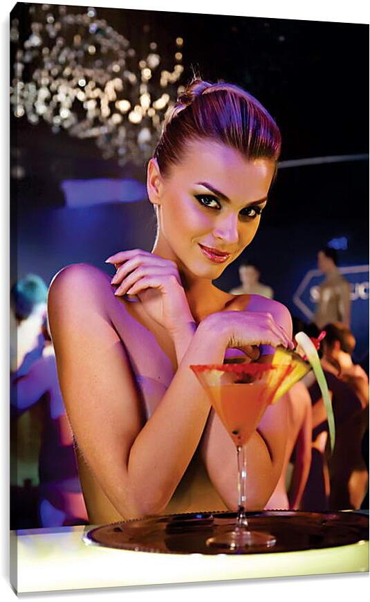 Девушка с коктейлемЛюди<br>Модульная картина из 5 частей . Любые размеры и конфигурации на выбор. Материал печати: натуральный холст.<br>Размер: 60x90 см., 80x120 см., 100x150 см.;