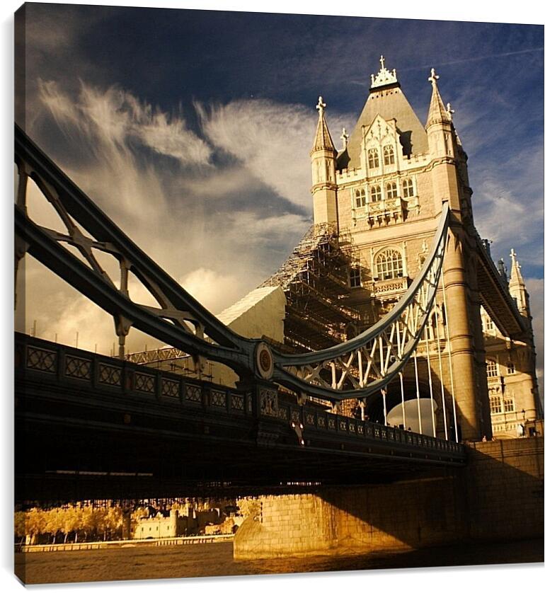Тауэрский мост в ЛондонеСтраны<br>Модульная картина из 3 частей . Любые размеры и конфигурации на выбор. Материал печати: натуральный холст.<br>Размер: 90x90 см., 120x120 см., 150x150 см.;