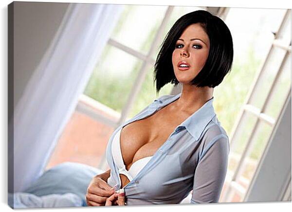 фото крсивых брюнеток большая грудь